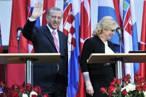 kitarovic_erdogan24-260416