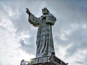 christ-of-the-mercy-statue-1