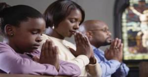 moliti VO-1518-p30-Praying-860x450_c (1)