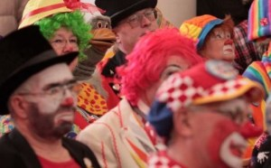 londres-insolite-messe-clowns-08-1