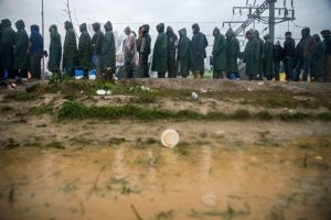 Refugees stuck in Idomeni