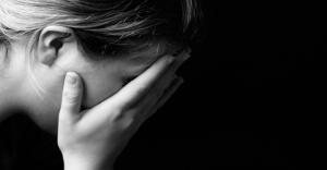 Sad-woman-860x450_c