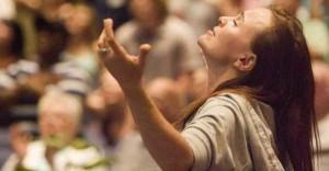 0509_faith_praying_churches_fr_1-860x450_c